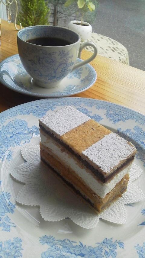 まれ♪の中のケーキ